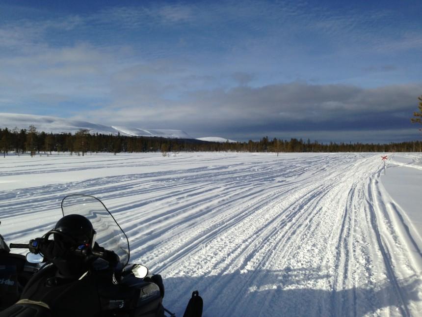 Her går scooterløypa nordover fra Sälen til Särna over myrene på nedsiden av Fulufjellet.