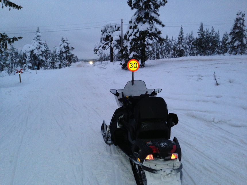 Scooterløypen som går øst-vest over Sälenfjellene følger riksveien